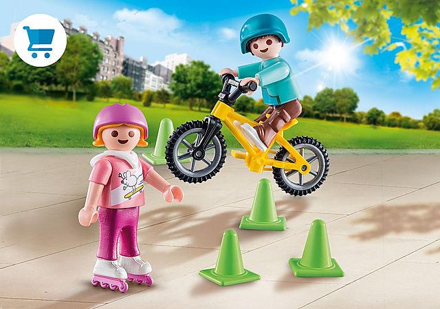 70061_product_detail/Enfants avec vélo et rollers