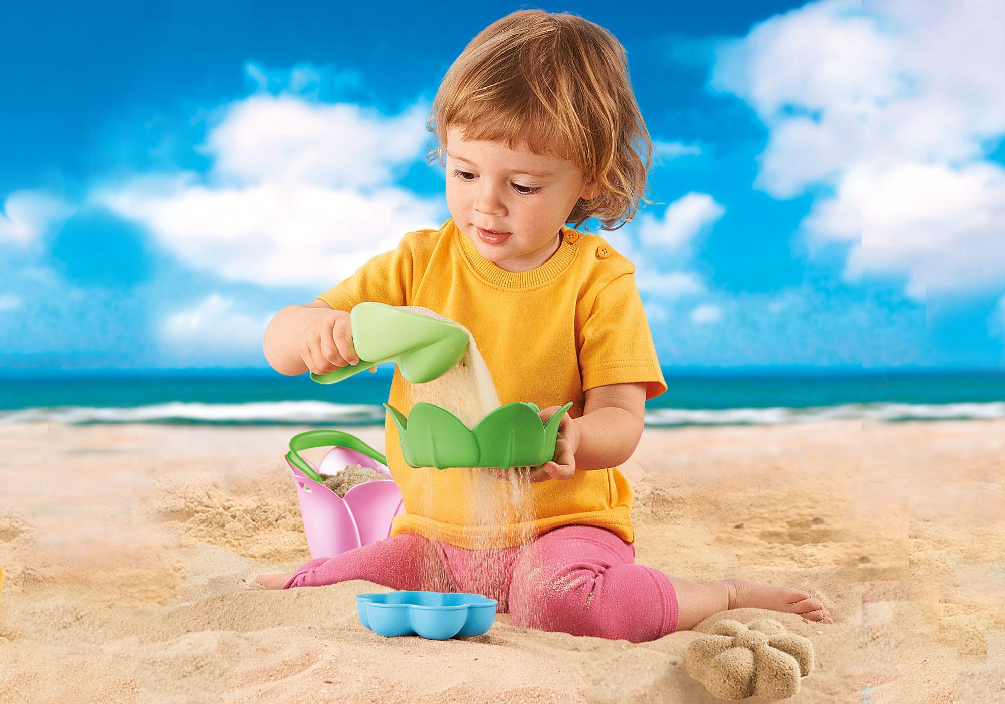 http://media.playmobil.com/i/playmobil/70065_product_extra2/Bloemenemmer