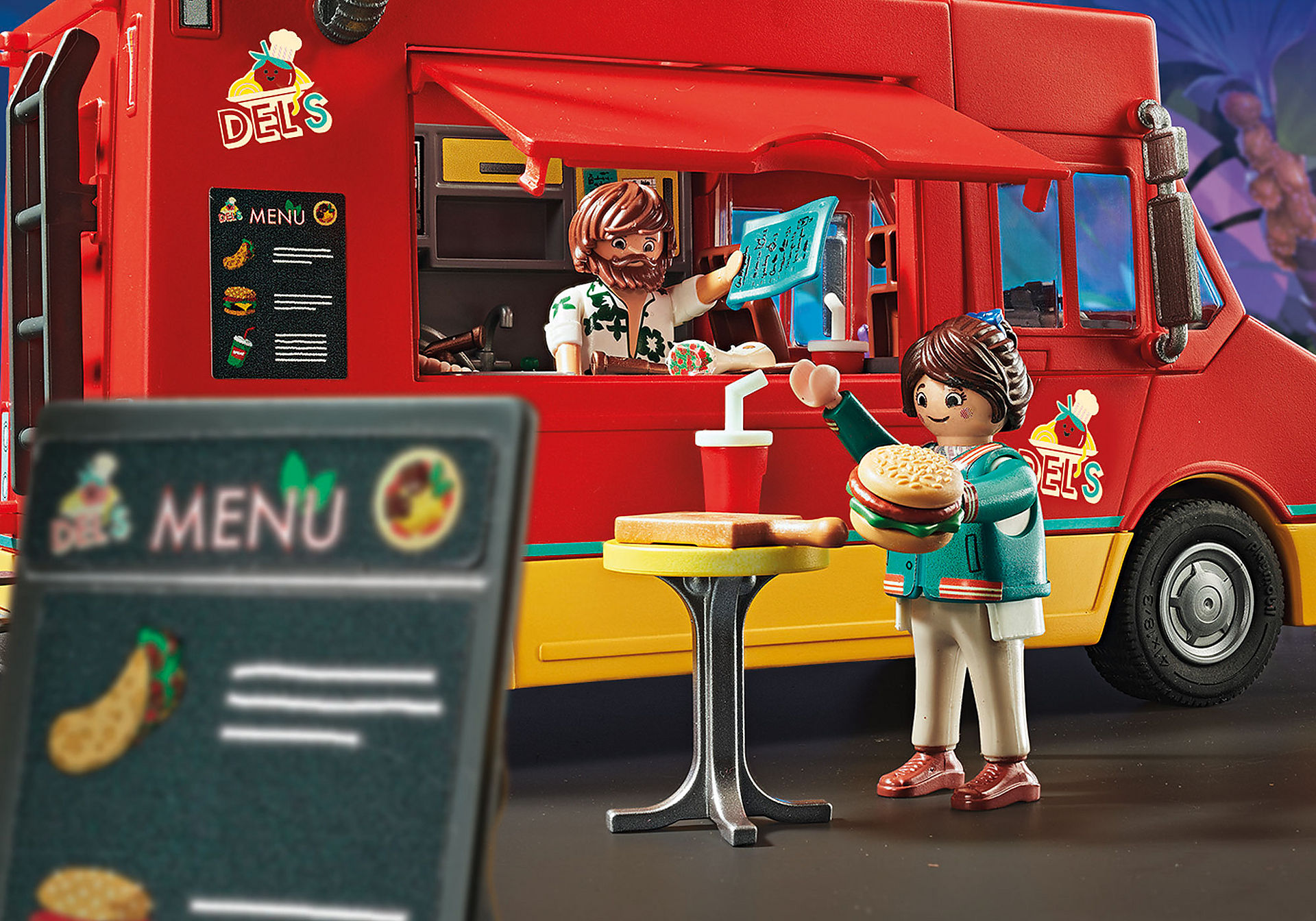 http://media.playmobil.com/i/playmobil/70075_product_extra2/PLAYMOBIL: THE MOVIE Food Truck Del'a