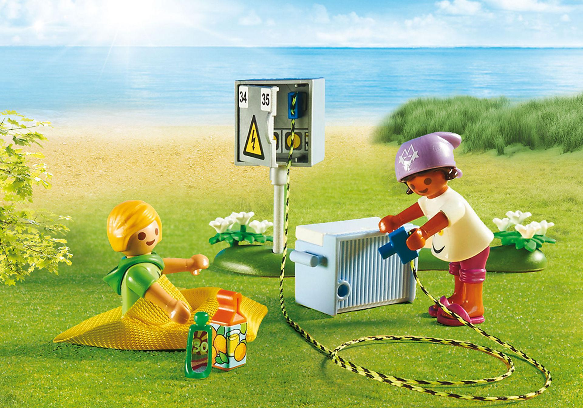 http://media.playmobil.com/i/playmobil/70089_product_extra1/Tente et campeurs