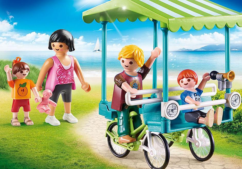 70093 Famiglia in bicicletta detail image 1