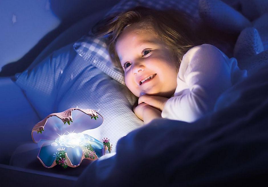 70095 Nachtlamp in schelp met meerminnen detail image 7