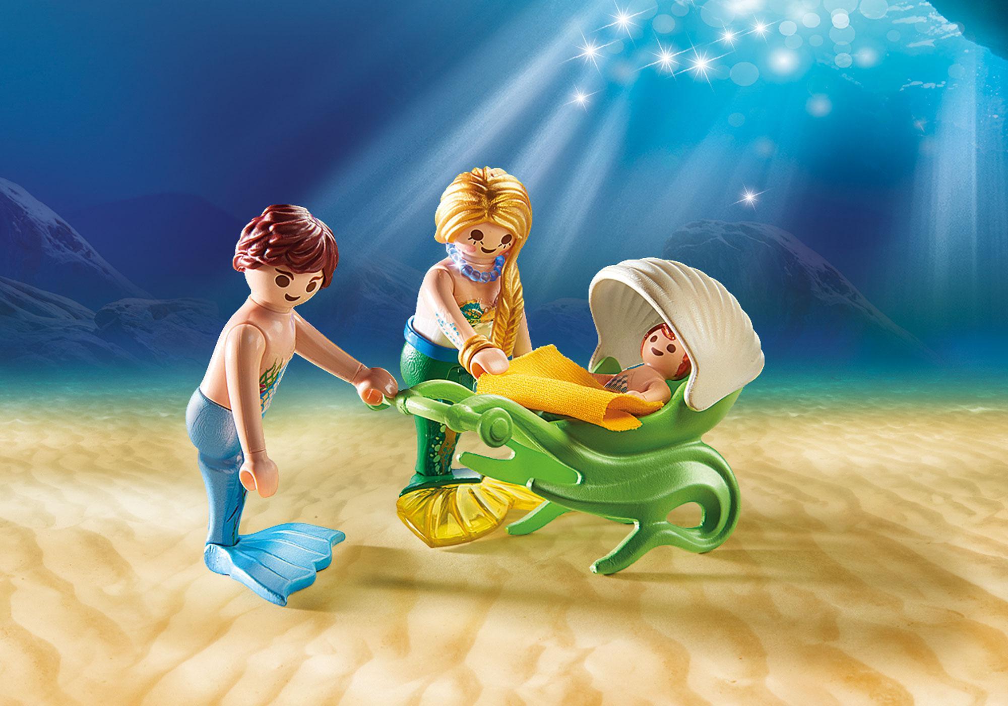 http://media.playmobil.com/i/playmobil/70100_product_extra1/Familie mit Muschelkinderwagen