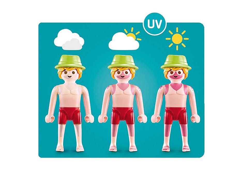 70112 Vacancier avec coups de soleil et bouée detail image 4