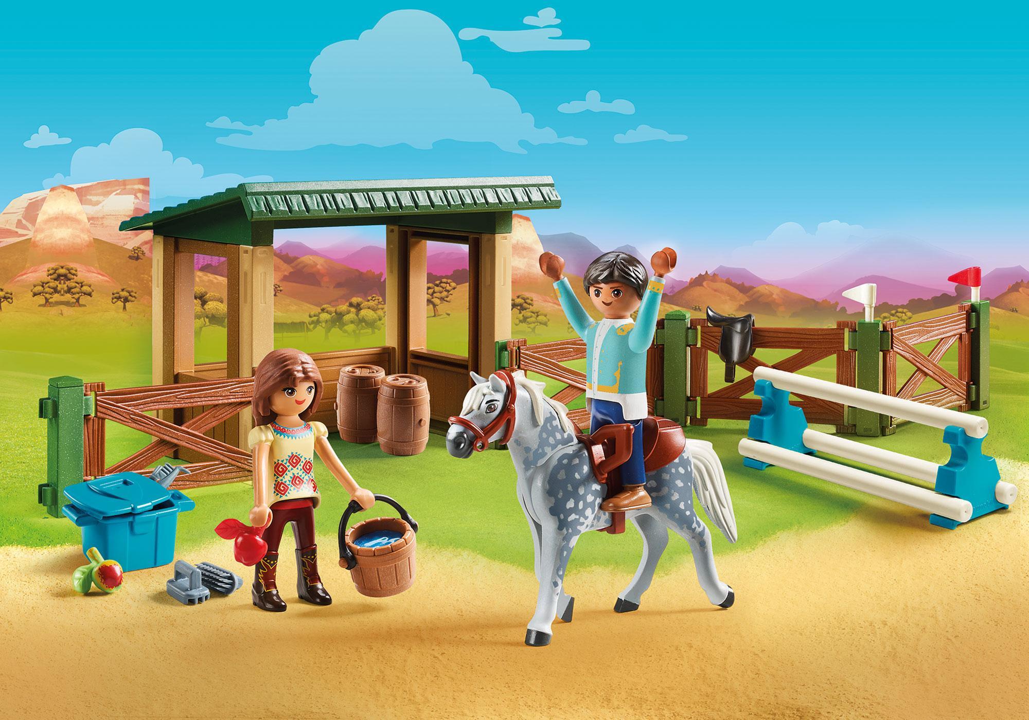 http://media.playmobil.com/i/playmobil/70119_product_detail/Espace d'entrainement avec Lucky et Javier