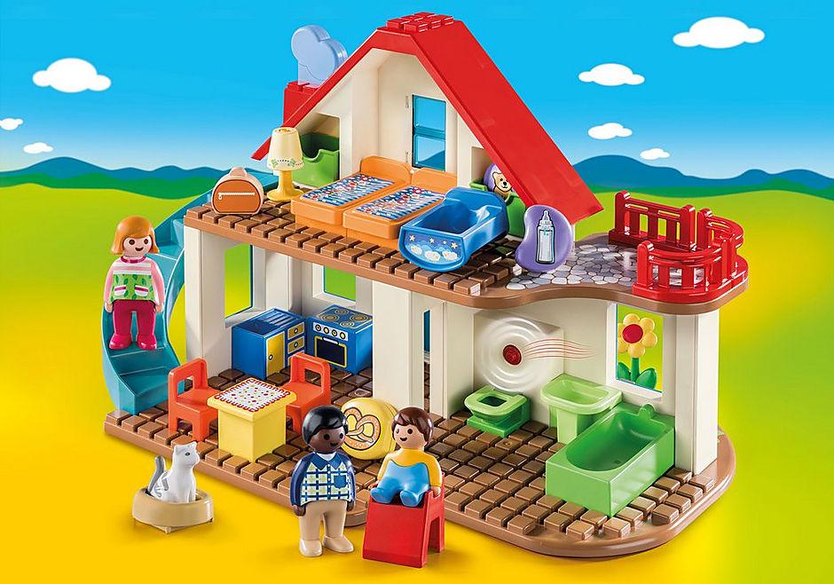 http://media.playmobil.com/i/playmobil/70129_product_extra1/Casa con famiglia 1.2.3