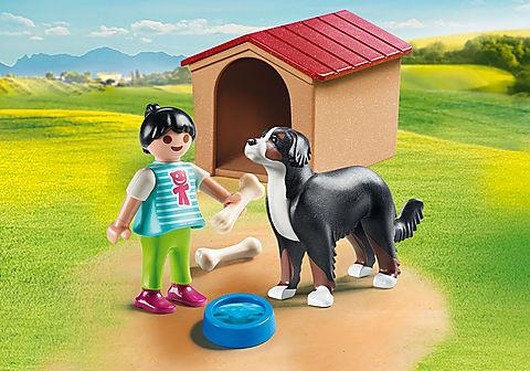 70136 Cão com Casota e Menina