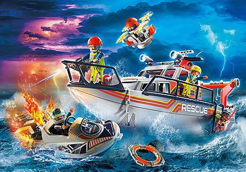 70140 Seenot: Löscheinsatz mit Rettungskreuzer