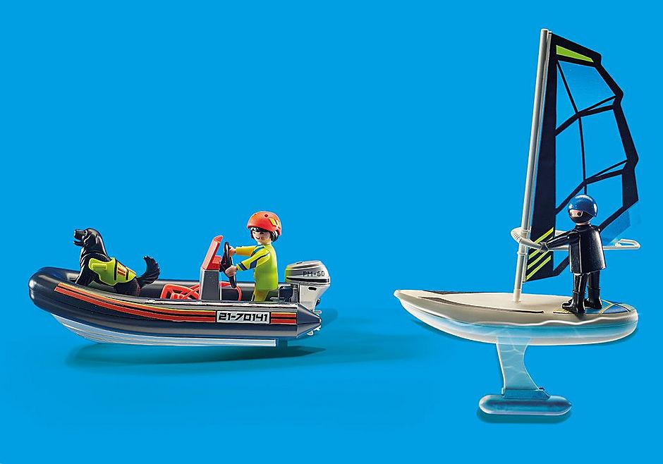 70141 Redding op zee: redding met poolzeiler met rubberen sleepboot detail image 6