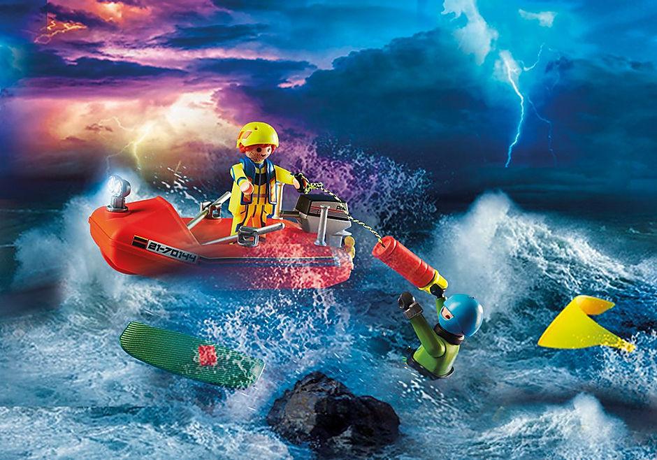 70144 Redding op zee: kitesurfersredding met boot detail image 5