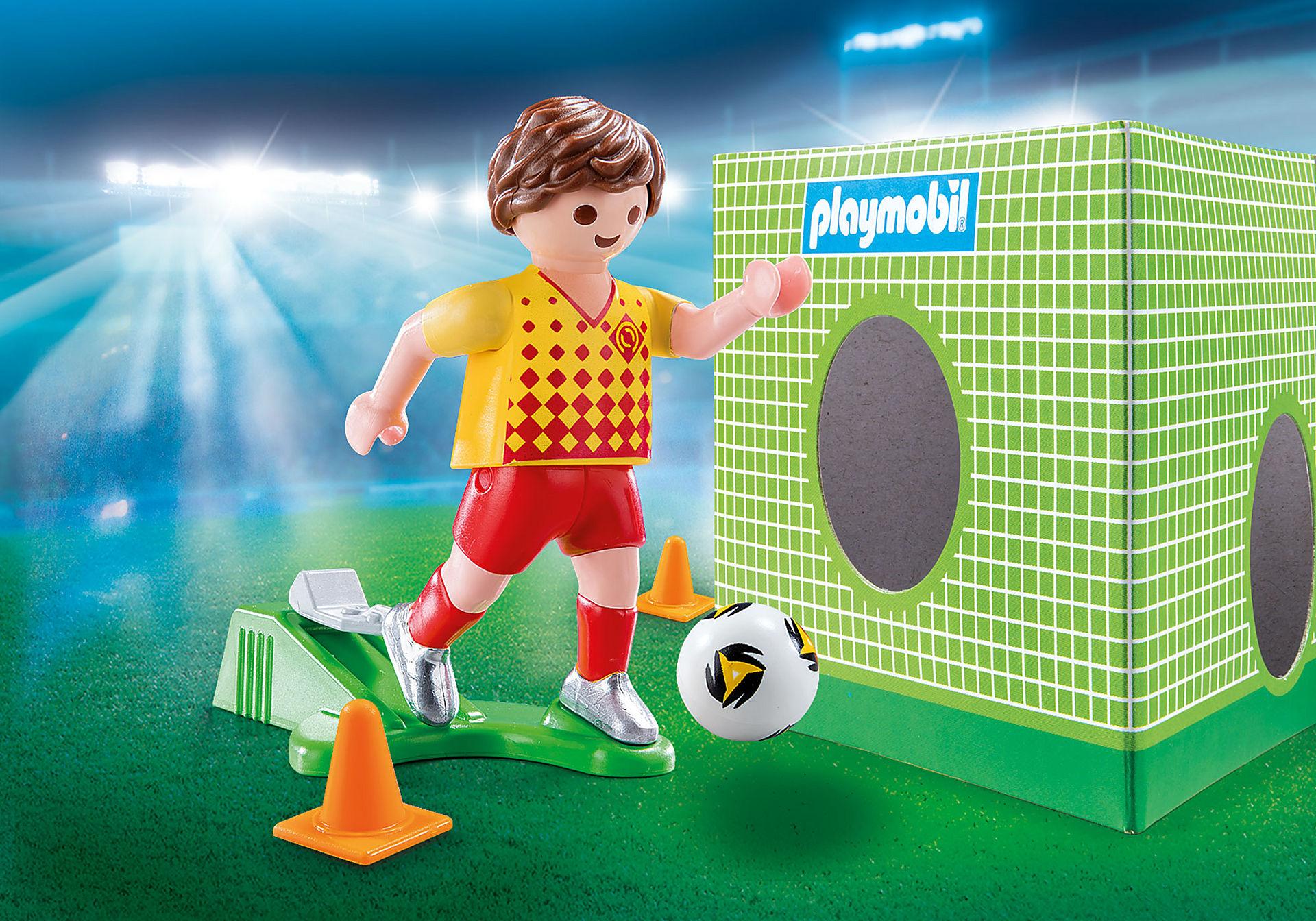 70157 Fotbollsspelare med mål zoom image1