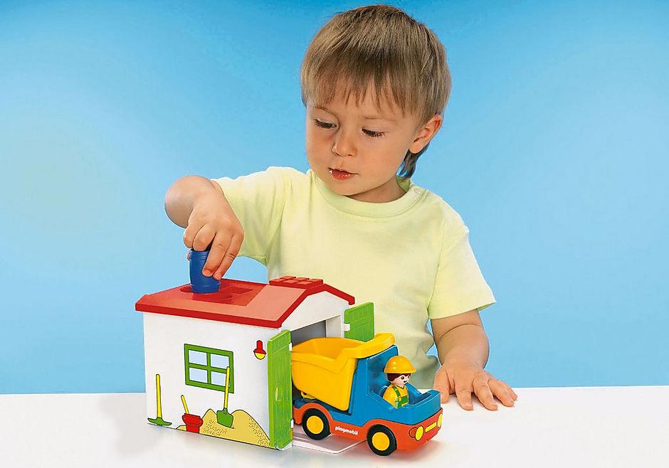 70184 Ouvrier avec camion et garage detail image 5