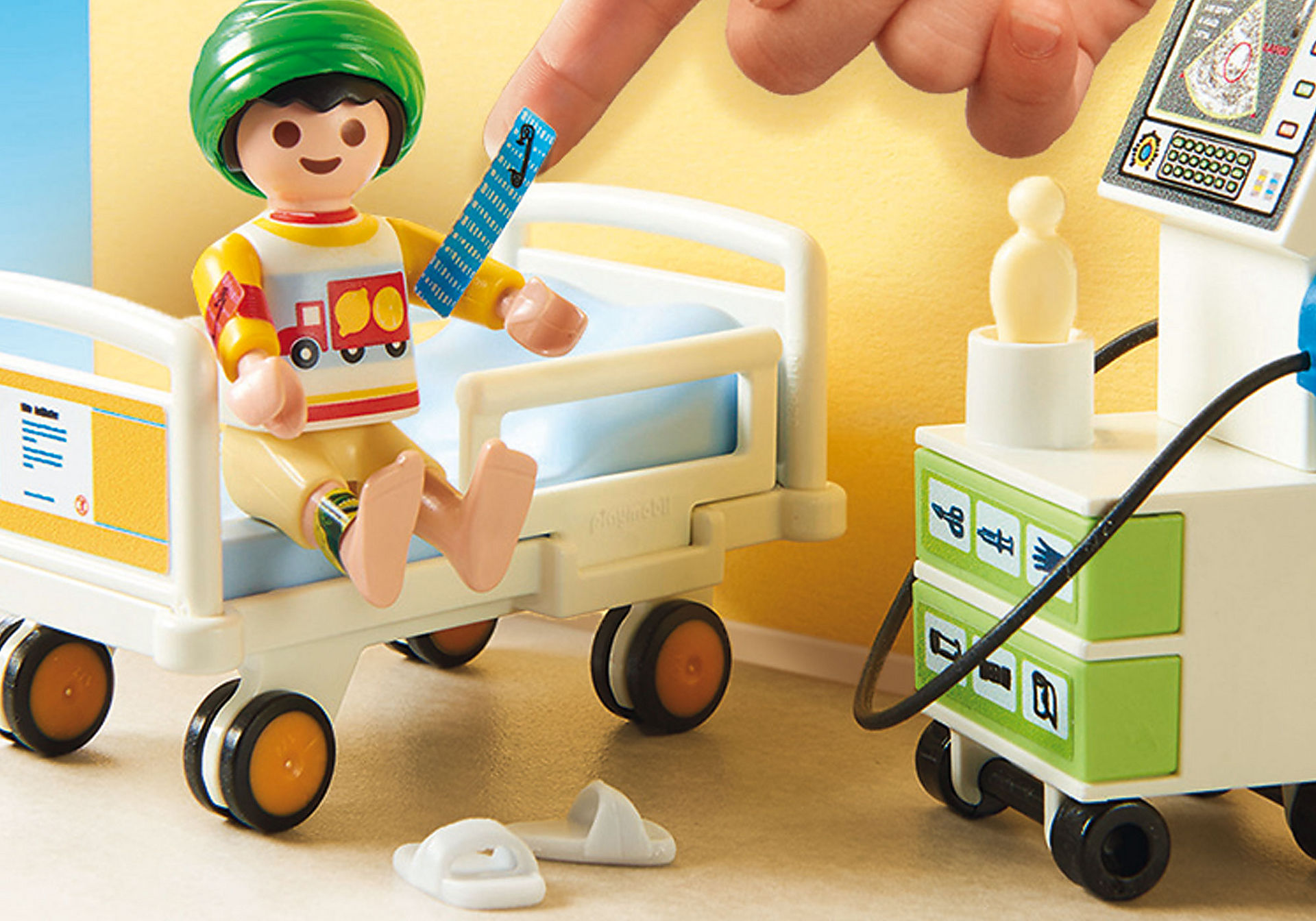 http://media.playmobil.com/i/playmobil/70192_product_extra1/Children's Hospital Room