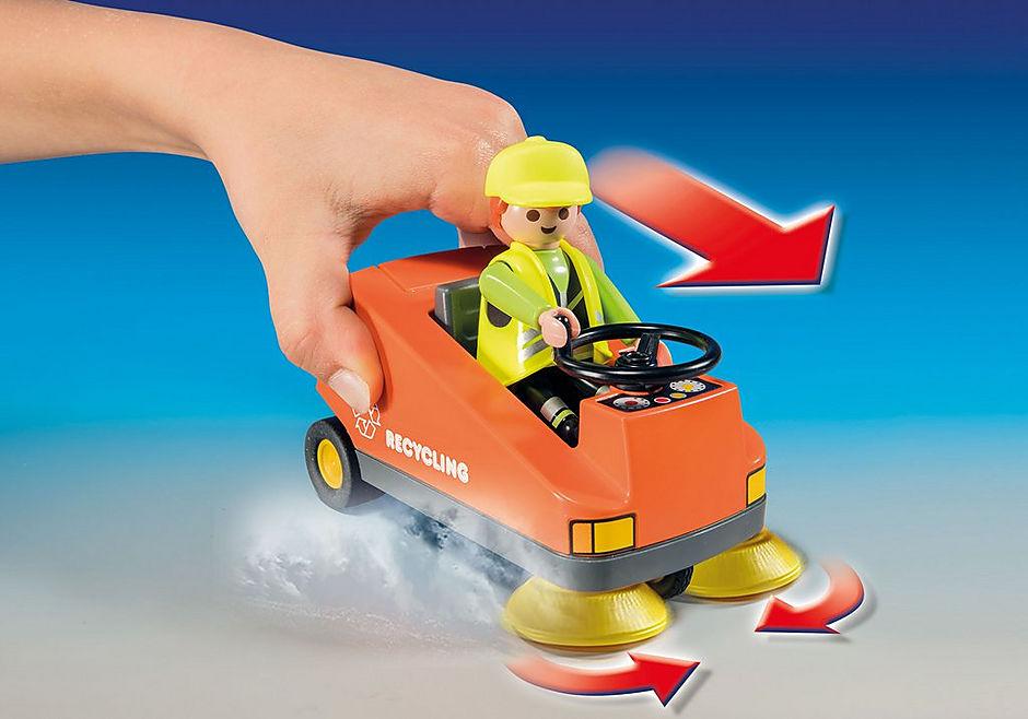 http://media.playmobil.com/i/playmobil/70203_product_extra1/Street Sweeper