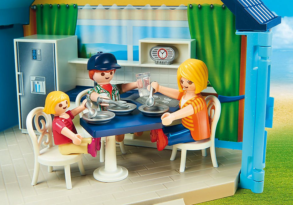 70219 PLAYMOBIL FunPark Summerhouse Take Along detail image 5