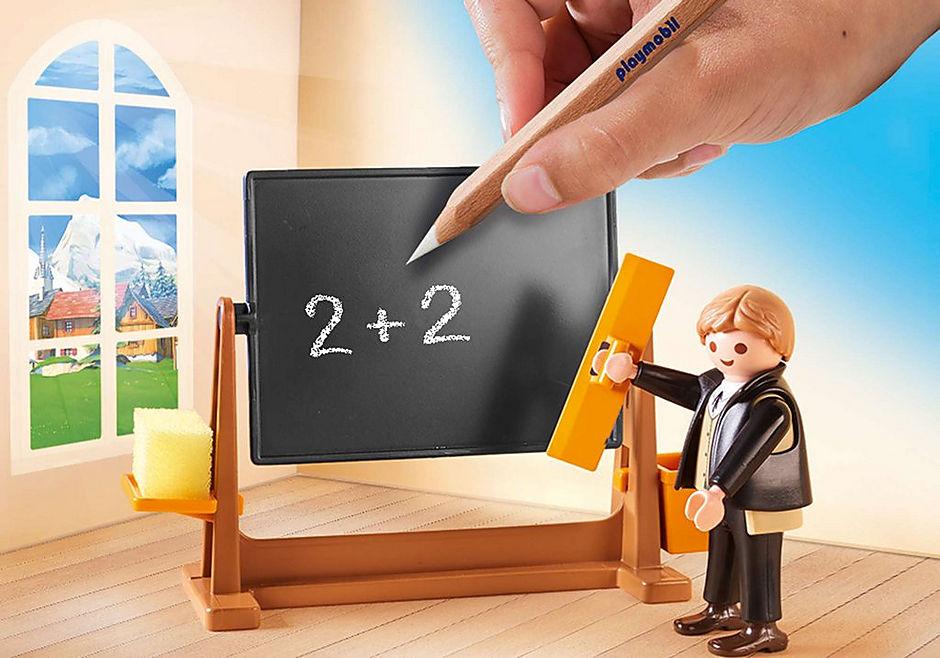 70256 Heidi op school detail image 4
