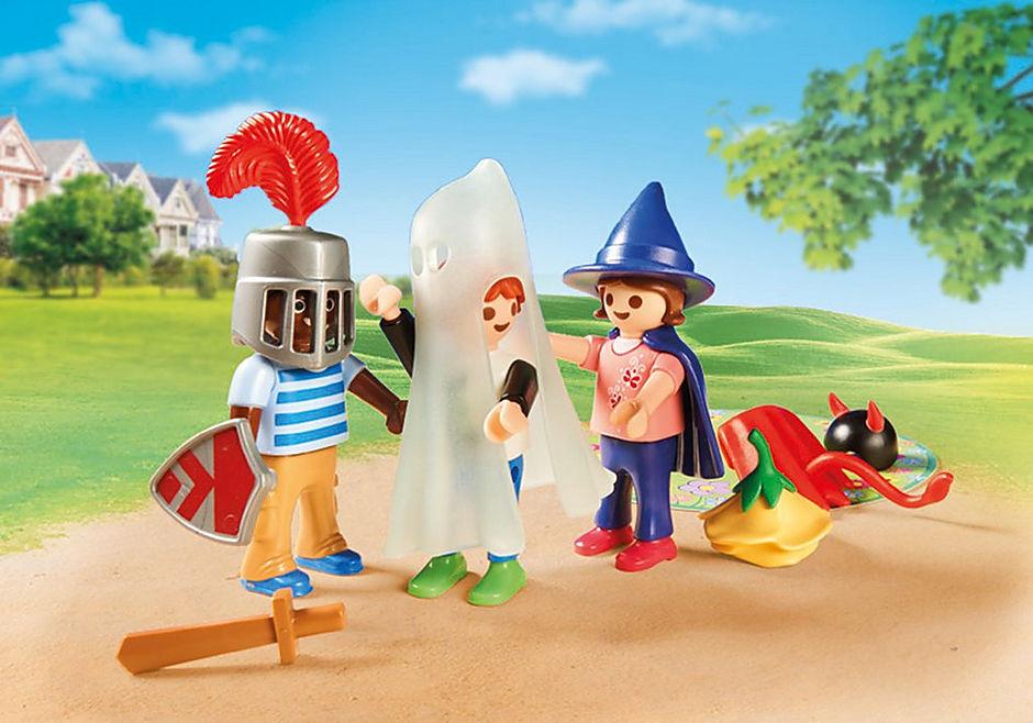 70283 Enfants et malle de déguisements detail image 6