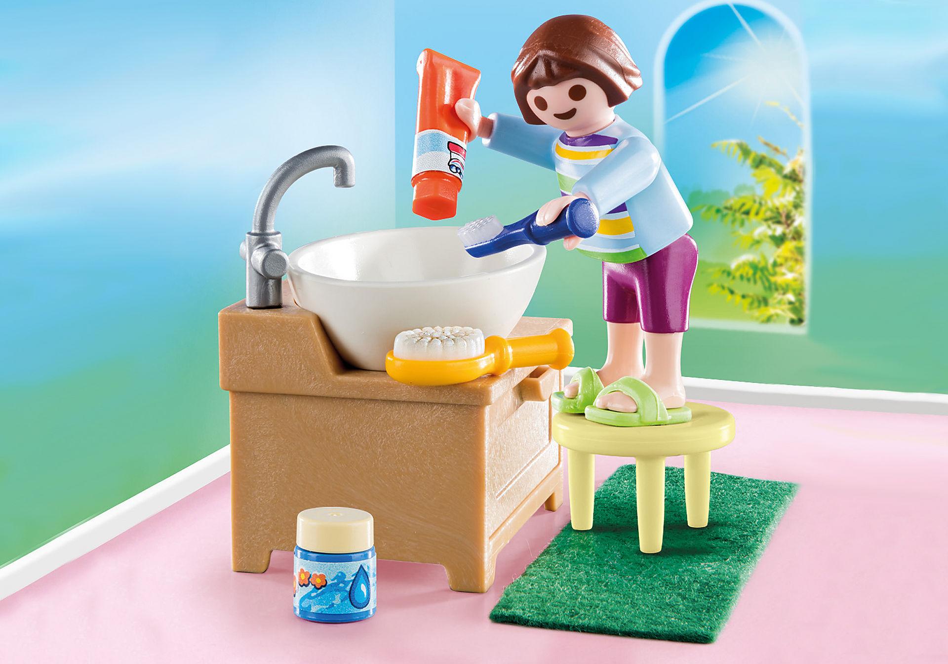 70301 Dziewczynka przy umywalce zoom image1