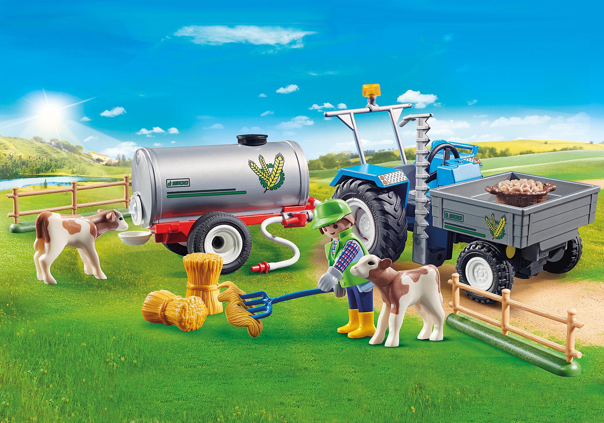 70367 Agriculteur avec faucheuse et citerne zoom image1