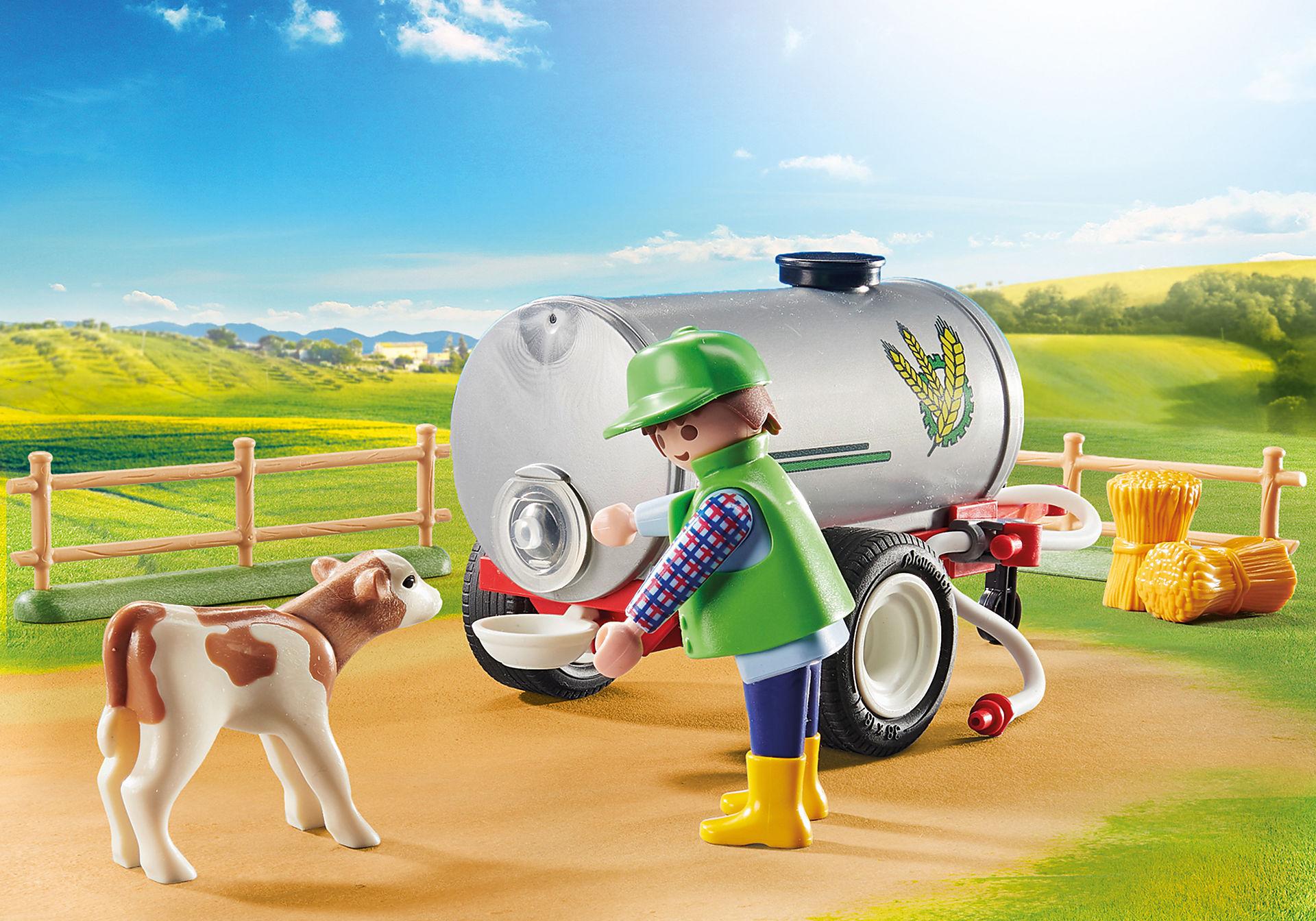 70367 Agriculteur avec faucheuse et citerne zoom image5