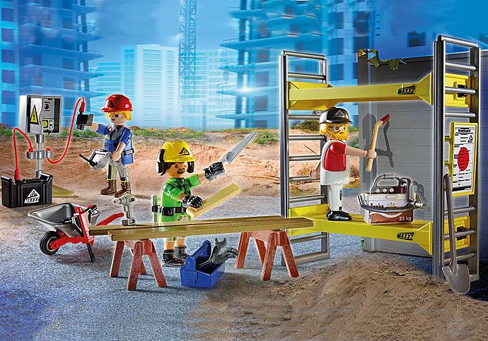 70446 Építési állvány munkásokkal