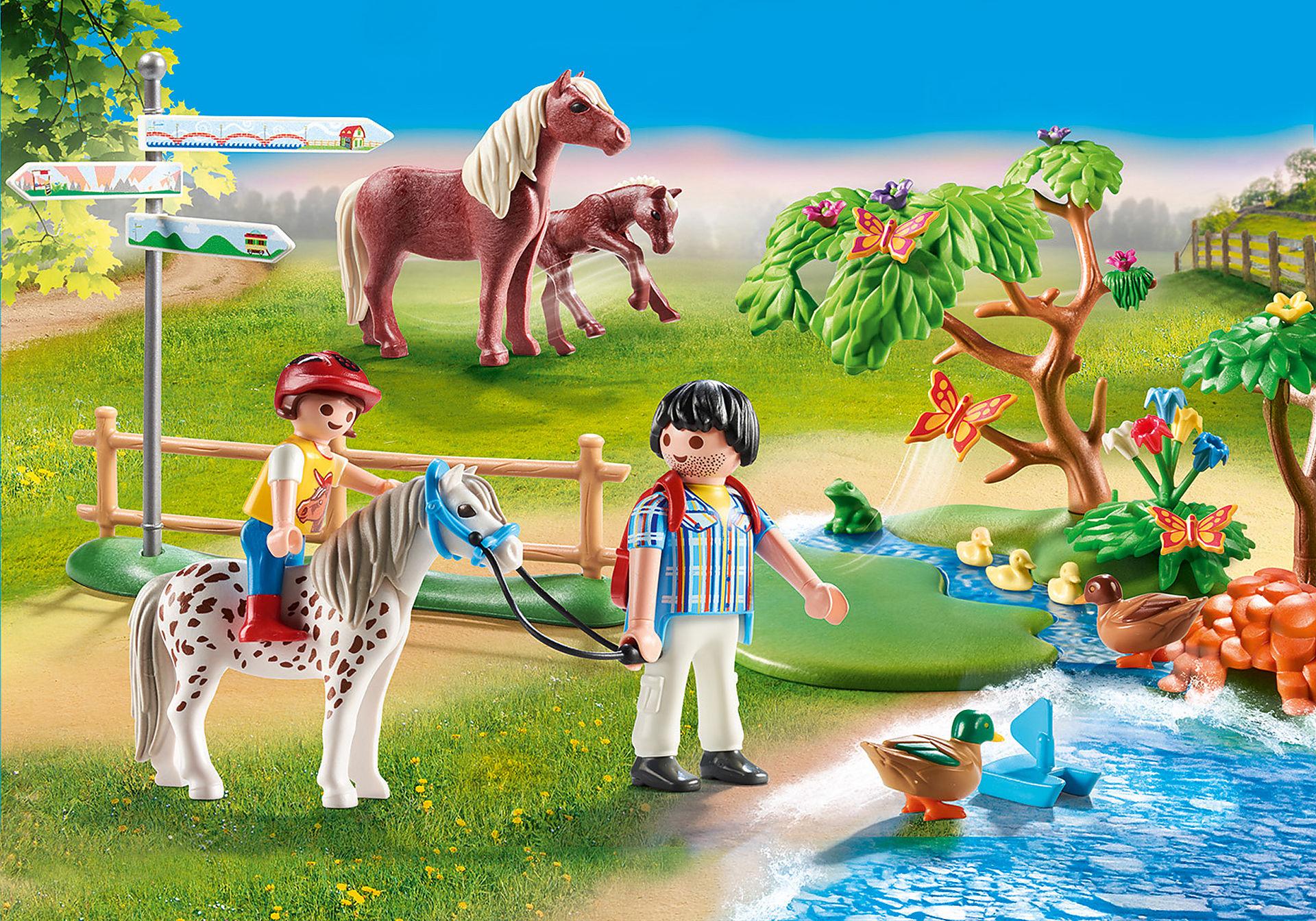70512 Randonneurs et animaux zoom image1