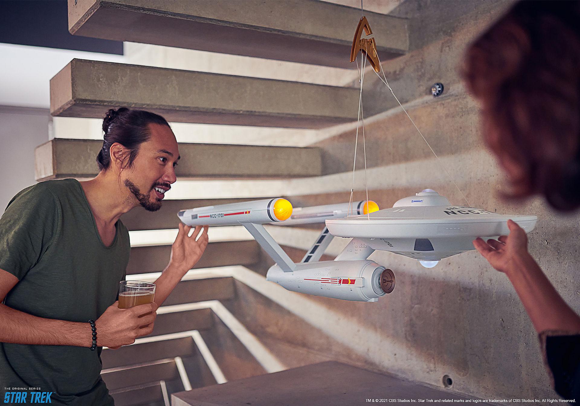 70548 Star Trek - U.S.S. Enterprise NCC-1701 zoom image11