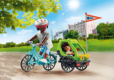 70601 Cyclistes maman et enfant