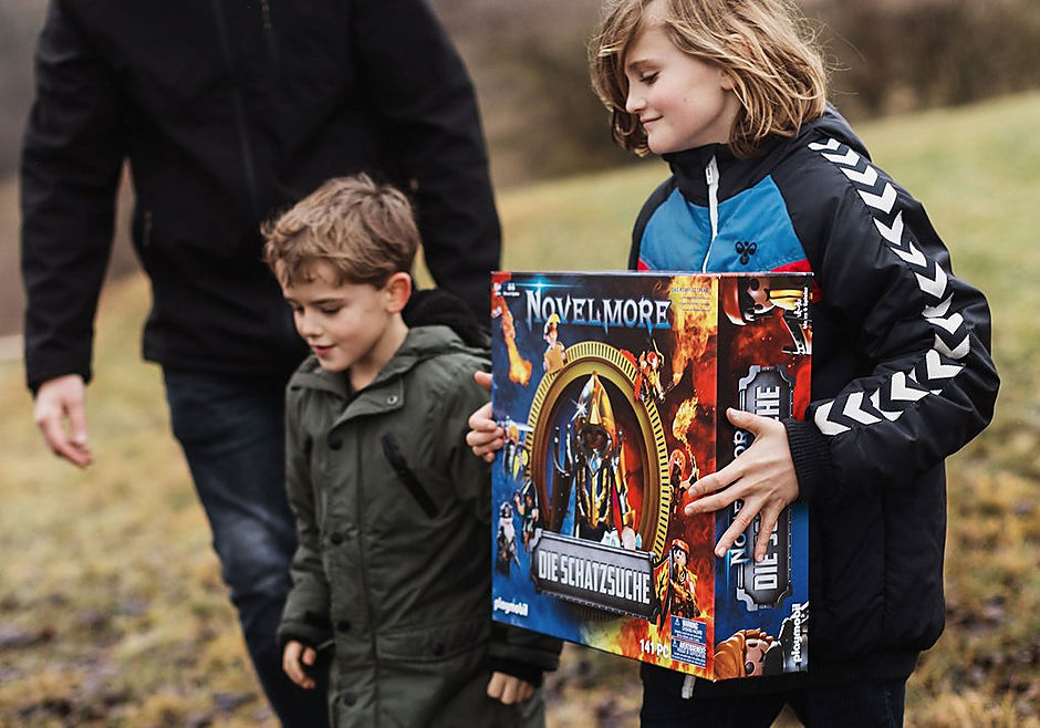 70736 PLAYMOBIL®Box: NOVELMORE Die Schatzsuche Das Familienevent detail image 9
