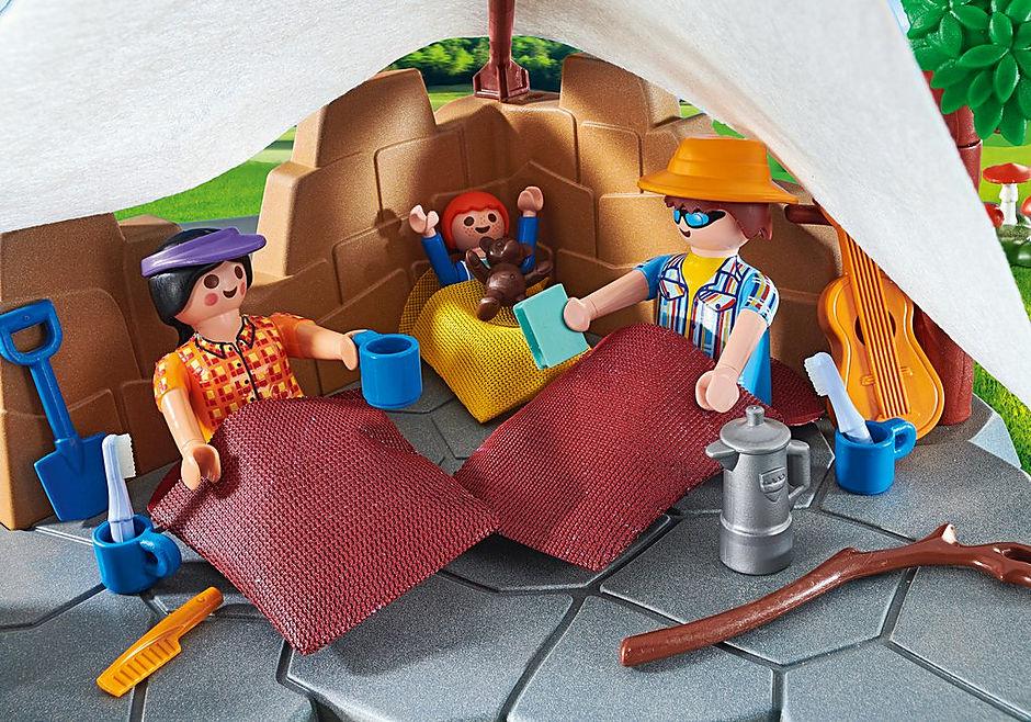 70743 Familie op kampeertocht detail image 5