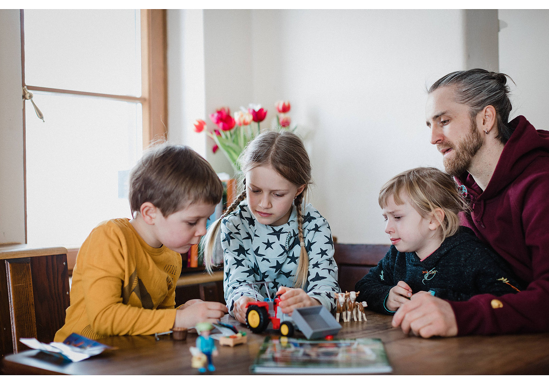 70763 PLAYMOBIL®Box: COUNTRY Das Detektivspiel Das Familienevent zoom image7