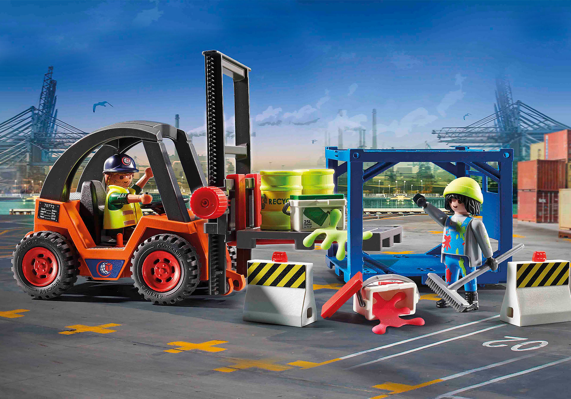 70772 Forklift with Freight zoom image1