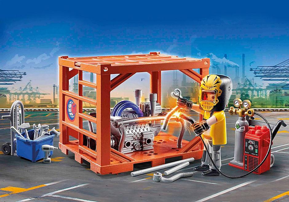 70774 Ouvrier et conteneur  detail image 1