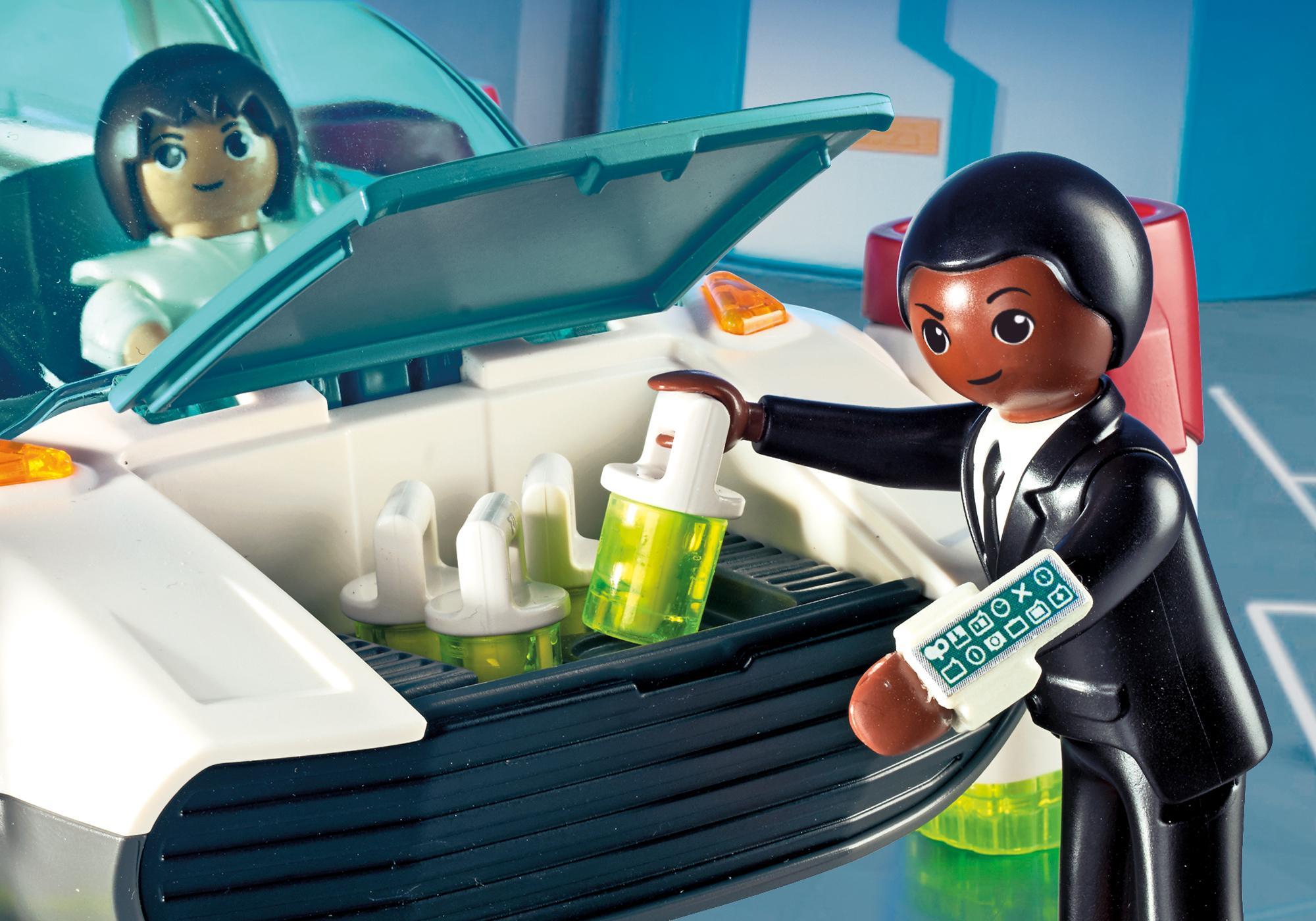 http://media.playmobil.com/i/playmobil/9002_product_extra1/FulguriX mit Agent Gene