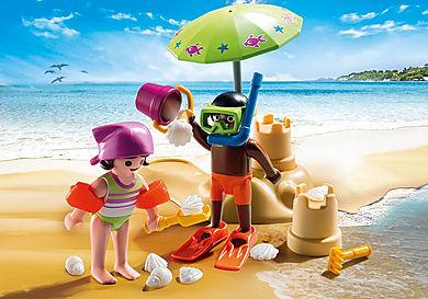 9085 Dzieci z zamkiem z piasku
