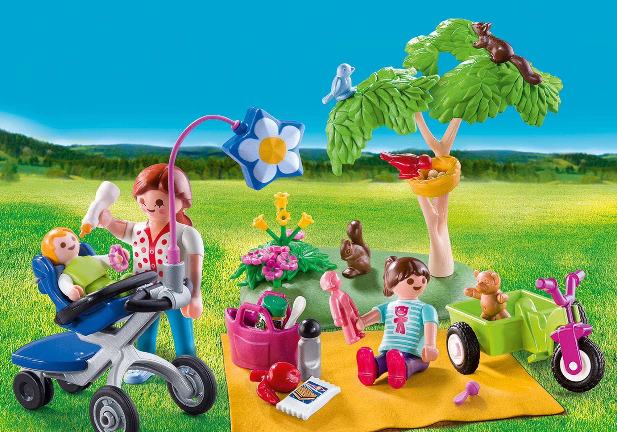 http://media.playmobil.com/i/playmobil/9103_product_detail/Family Picnic Carry Case