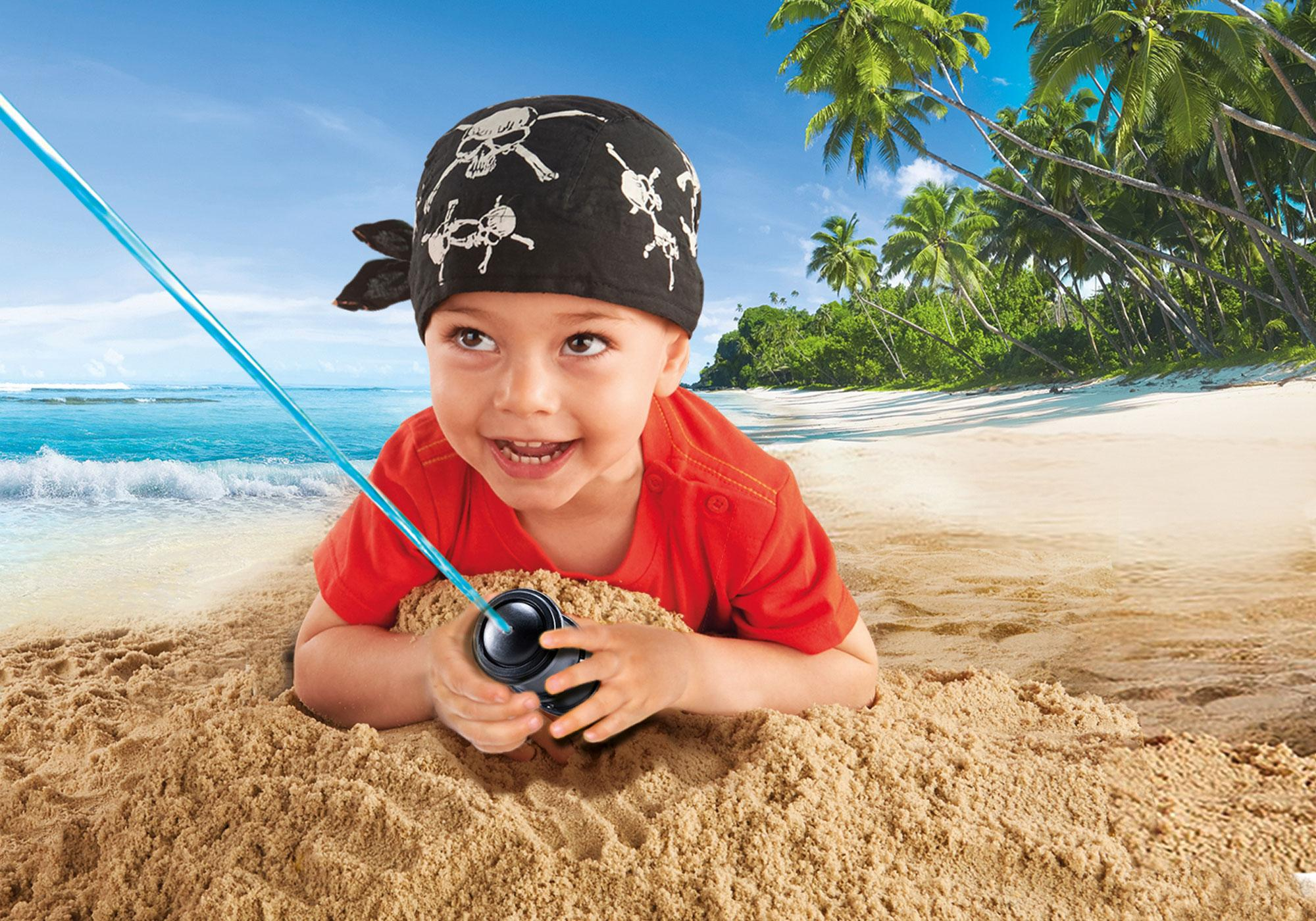http://media.playmobil.com/i/playmobil/9118_product_extra3/Pirate Ship