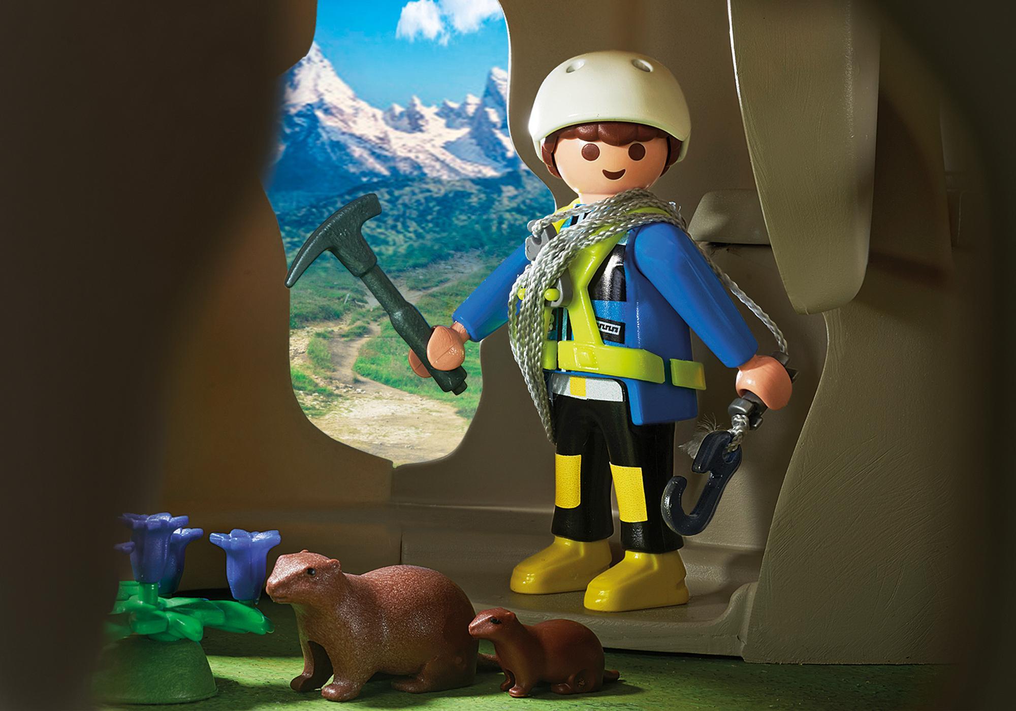 http://media.playmobil.com/i/playmobil/9126_product_extra2/Rocher d'escalade avec espace d'accueil