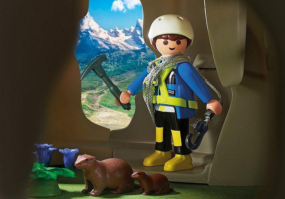 http://media.playmobil.com/i/playmobil/9126_product_extra2/Skała do wspinaczki z chatą górską