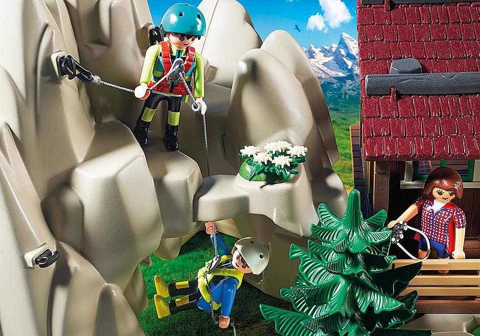 http://media.playmobil.com/i/playmobil/9126_product_extra3/Skała do wspinaczki z chatą górską
