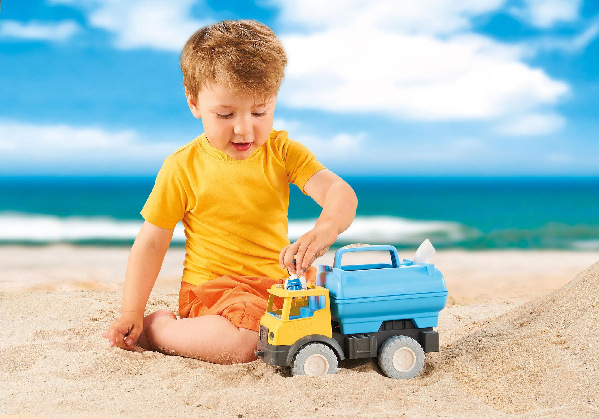 http://media.playmobil.com/i/playmobil/9144_product_extra1/Water Tank Truck