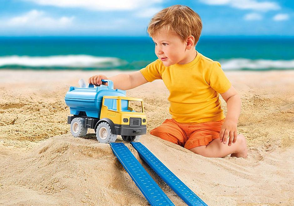 http://media.playmobil.com/i/playmobil/9144_product_extra4/Camião com Depósito de Água