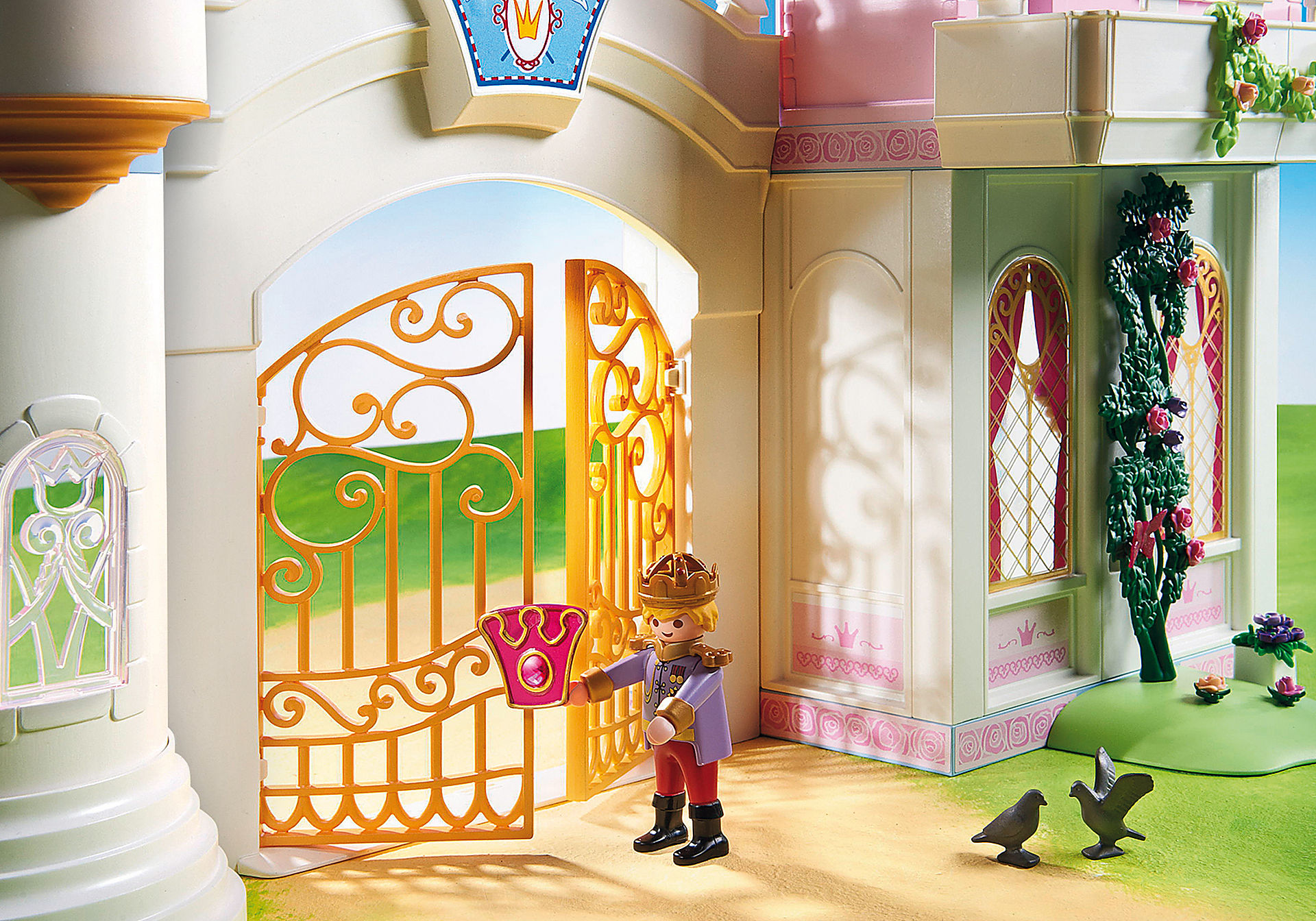 http://media.playmobil.com/i/playmobil/9157_product_extra4/Royal Residence