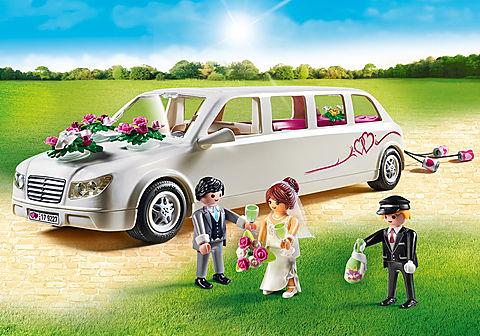 9227 Limousine avec couple de mariés