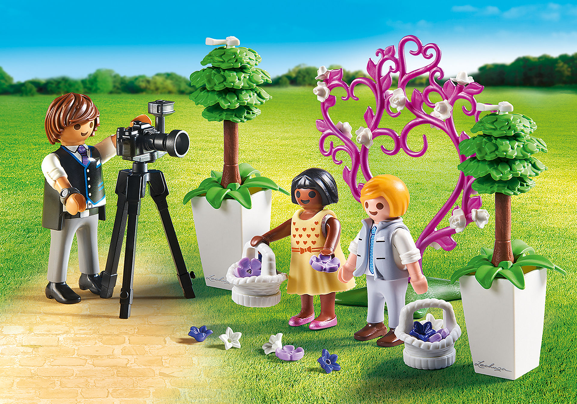 http://media.playmobil.com/i/playmobil/9230_product_detail/Enfants d'honneur avec photographe