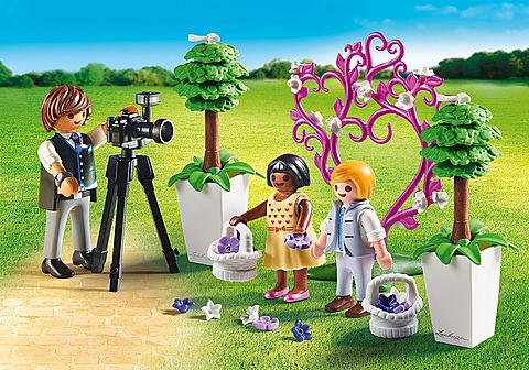9230 Fotograf mit Blumenkindern