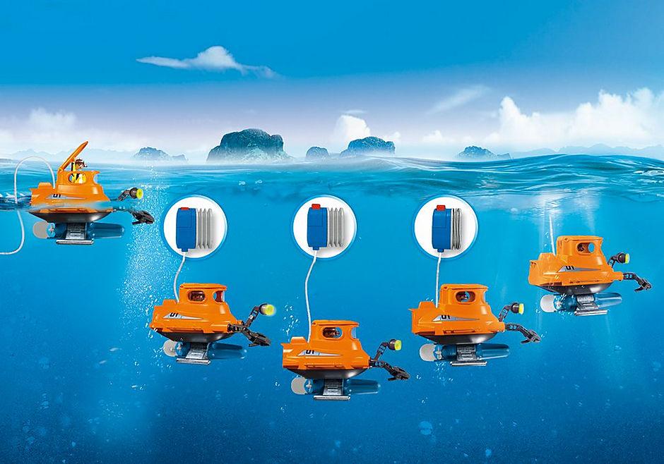 http://media.playmobil.com/i/playmobil/9234_product_extra1/Cloche de plongée avec moteur submersible