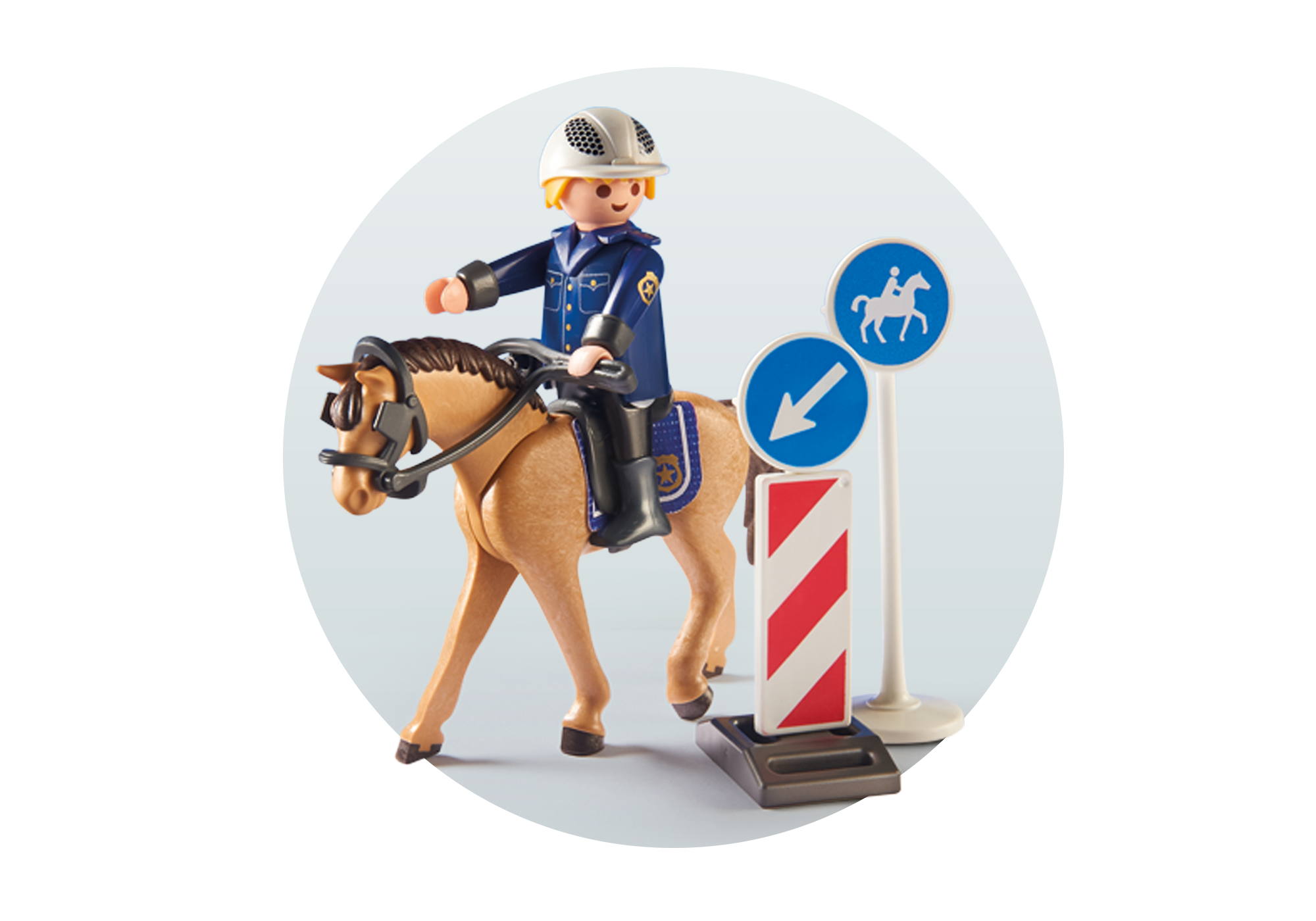 http://media.playmobil.com/i/playmobil/9260_product_extra1