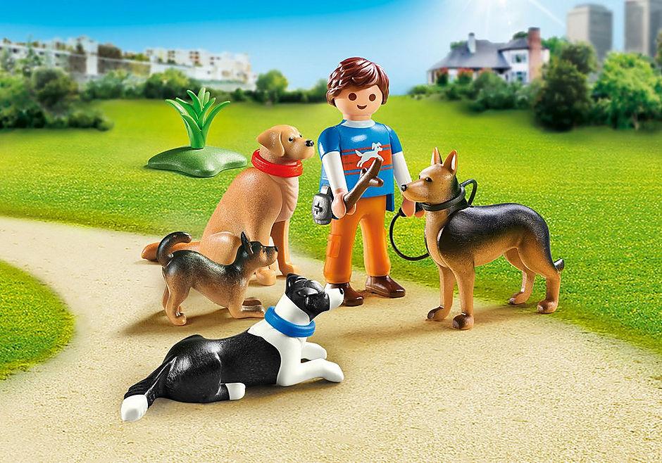 9279 Entraineur et chiens  detail image 1