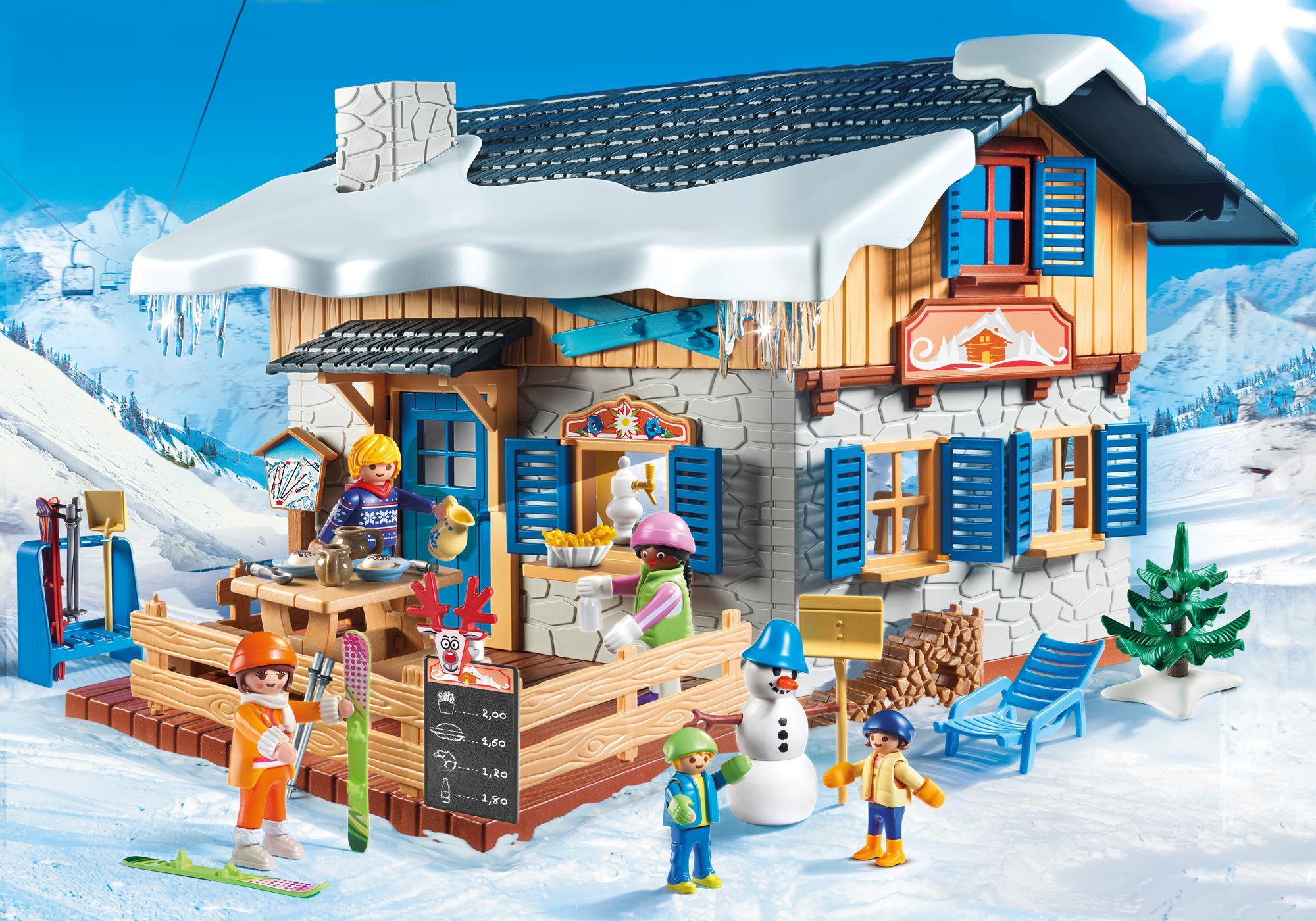 9280_product_detail/Chalet avec skieurs